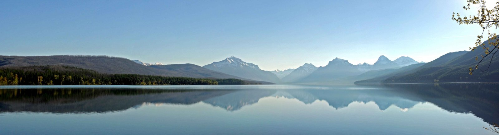 Click image for larger version  Name:Lake McDonald Pano-a.jpg Views:77 Size:79.3 KB ID:150391