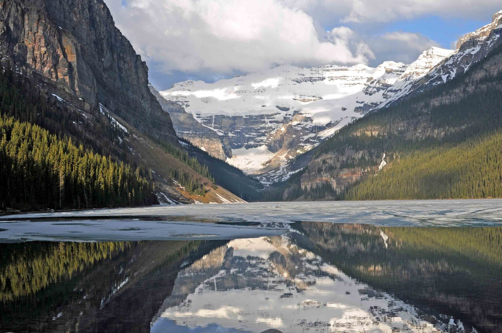 Click image for larger version  Name:Lake Mirror-a.jpg Views:82 Size:352.8 KB ID:150392