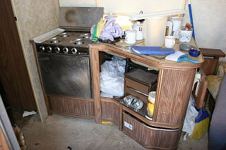 Click image for larger version  Name:IMG_6611 messy cabinet-s.jpg Views:225 Size:134.9 KB ID:150615