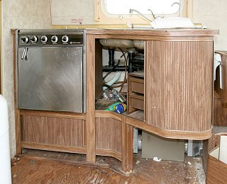 Click image for larger version  Name:IMG_6880 original cabinet-s.jpg Views:202 Size:157.0 KB ID:150616