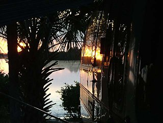 Click image for larger version  Name:Dft-wd1 Sunset.jpg Views:90 Size:68.0 KB ID:15069