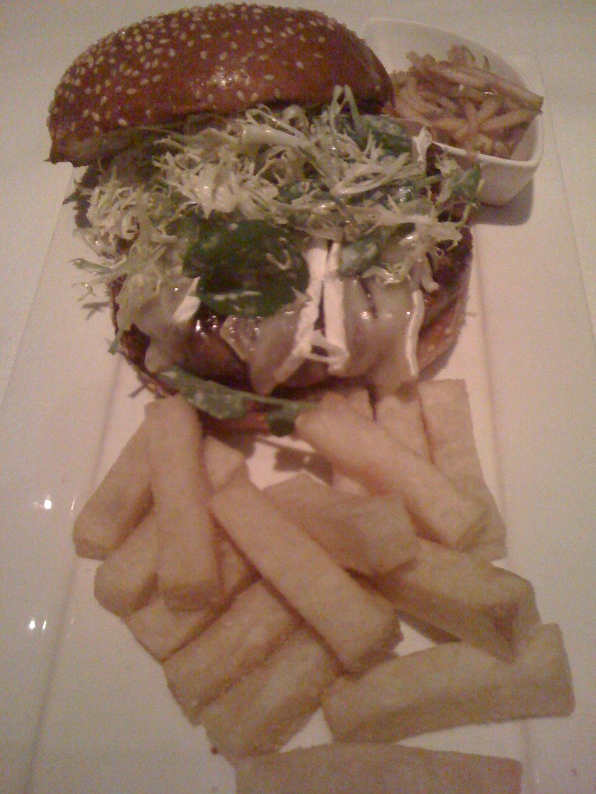 Click image for larger version  Name:Truffle Brie Hamburger Lark Creek Steak 013112.JPG Views:35 Size:699.6 KB ID:150691