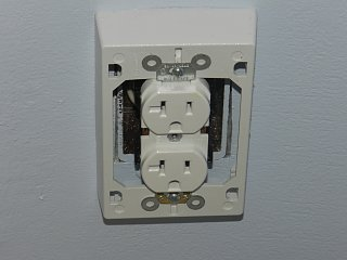 Click image for larger version  Name:0226 bath outlet 02.jpg Views:153 Size:182.9 KB ID:152060
