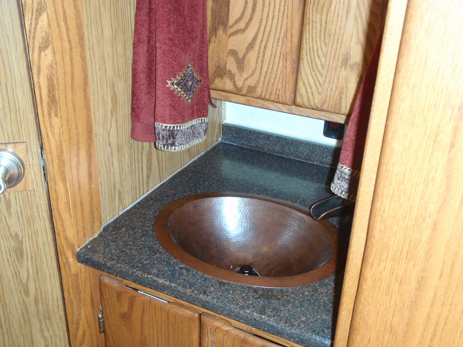 Click image for larger version  Name:Bath Sink Area.jpg Views:120 Size:339.9 KB ID:153191