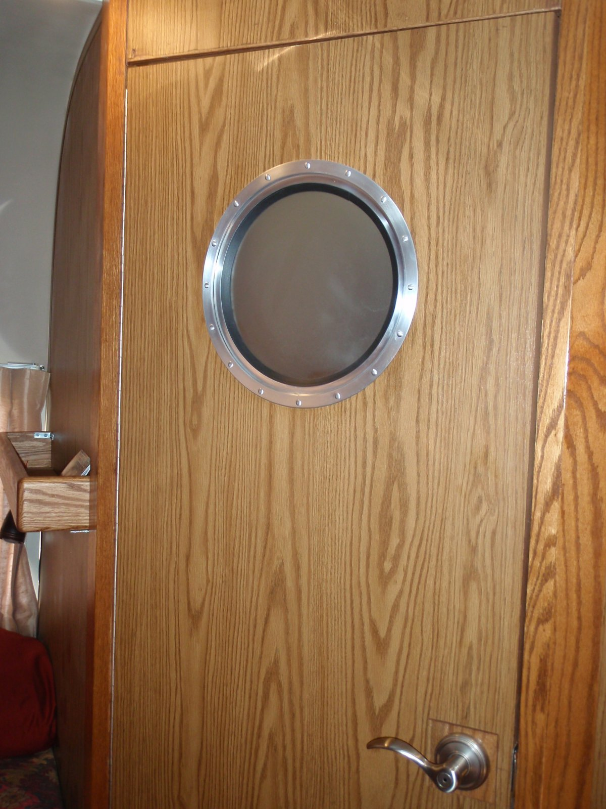 Click image for larger version  Name:Porthole Door New.jpg Views:267 Size:290.4 KB ID:153194