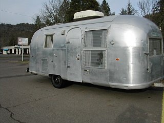Click image for larger version  Name:Airstream 64 006.jpg Views:142 Size:377.8 KB ID:153709