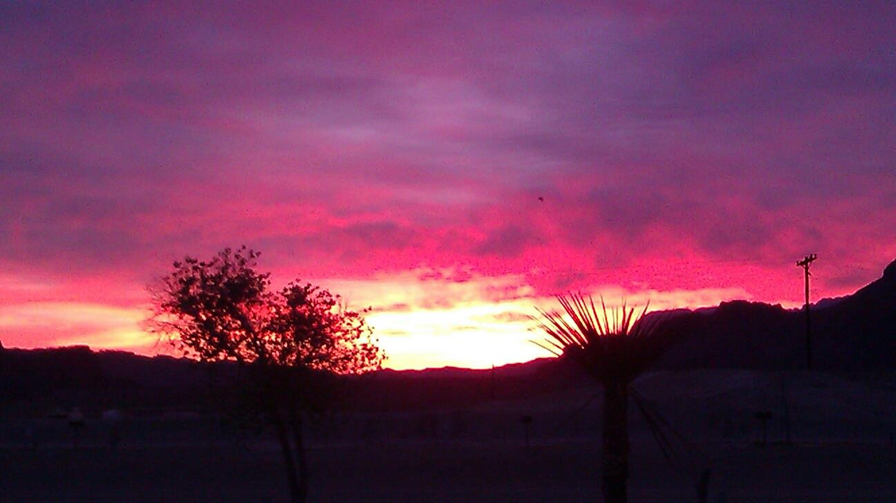 Click image for larger version  Name:Sunrise Terlingua.jpg Views:69 Size:73.7 KB ID:153810