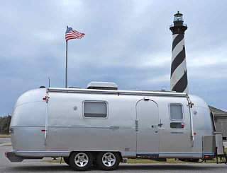 Click image for larger version  Name:CapeHatterass:trailer.jpg Views:140 Size:20.4 KB ID:154924