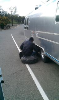 Name:   fixing tire.jpg Views: 452 Size:  10.9 KB