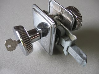 Click image for larger version  Name:lock assembly.jpg Views:110 Size:174.4 KB ID:155285