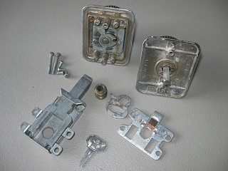 Click image for larger version  Name:lock apart.jpg Views:110 Size:193.5 KB ID:155286