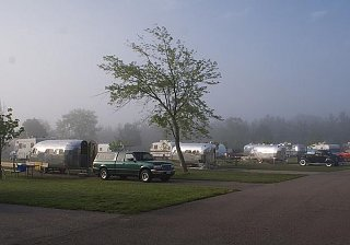Click image for larger version  Name:Bowlus trailers.jpg Views:129 Size:89.6 KB ID:155562
