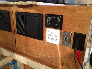 Click image for larger version  Name:Airstream electrical 01.jpg Views:117 Size:292.2 KB ID:155944