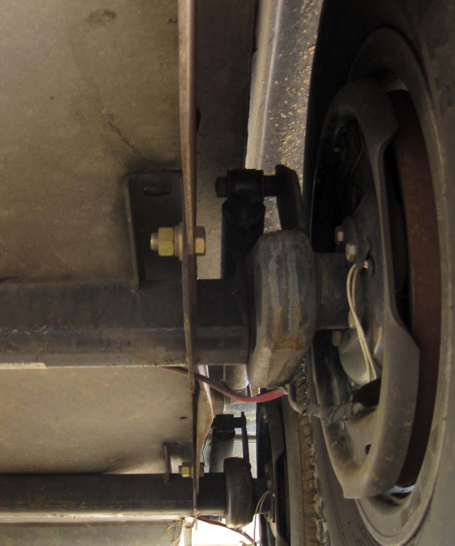 Click image for larger version  Name:Warped Axle Mounting Plate.jpg Views:139 Size:98.2 KB ID:156239