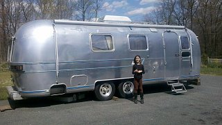 Click image for larger version  Name:jane and airstream.jpg Views:159 Size:177.0 KB ID:156672