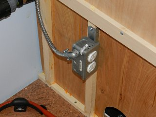 Click image for larger version  Name:0428 bed outlet 02.jpg Views:179 Size:239.8 KB ID:157100