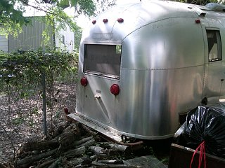Click image for larger version  Name:airstream rear.jpg Views:75 Size:109.1 KB ID:157113