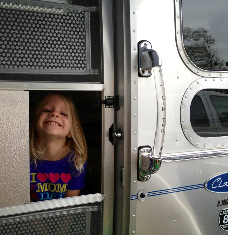 Click image for larger version  Name:Claire peeping out.jpg Views:95 Size:122.4 KB ID:157544