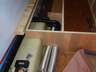 Click image for larger version  Name:0506 plumbing under bed 03.jpg Views:166 Size:228.8 KB ID:157814