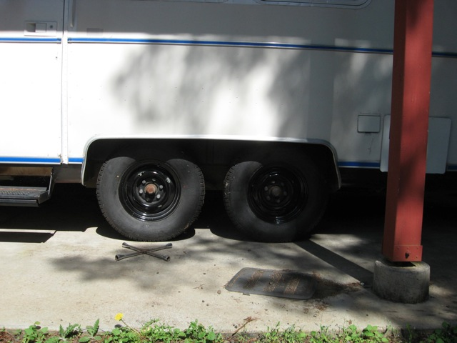 Click image for larger version  Name:75 Argosy axle.jpg Views:83 Size:76.9 KB ID:158077