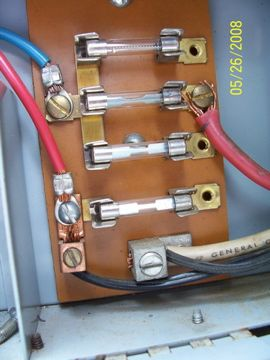 Click image for larger version  Name:fuse panel.jpg Views:91 Size:21.4 KB ID:158472