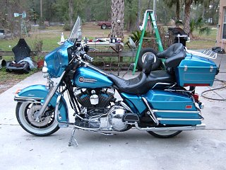 Click image for larger version  Name:MY!1992 Harley Davidson FLHTC Semi Detailed 060.jpg Views:82 Size:344.8 KB ID:158877