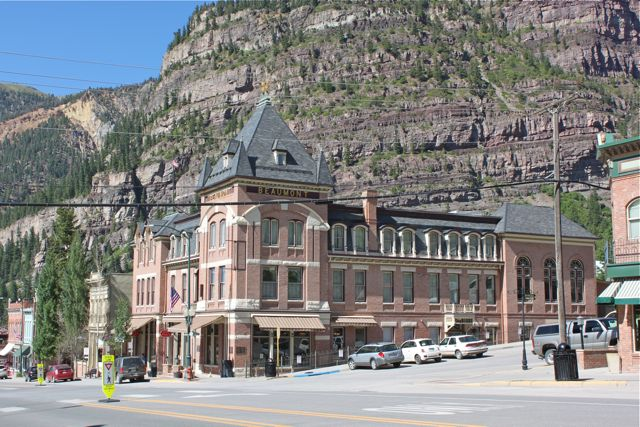 Click image for larger version  Name:Ouray 2.jpg Views:56 Size:86.7 KB ID:159237