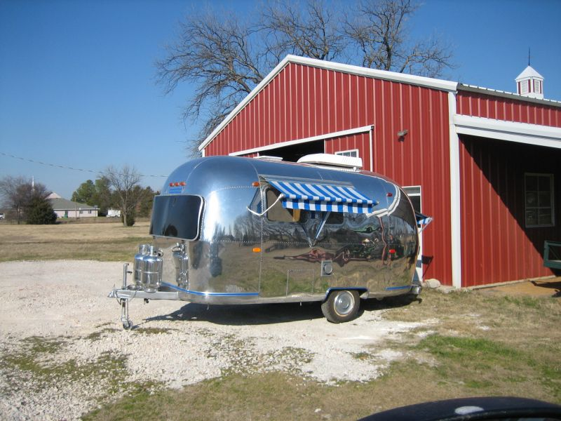 Click image for larger version  Name:Craigs Airstream 001.jpg Views:154 Size:101.1 KB ID:160011