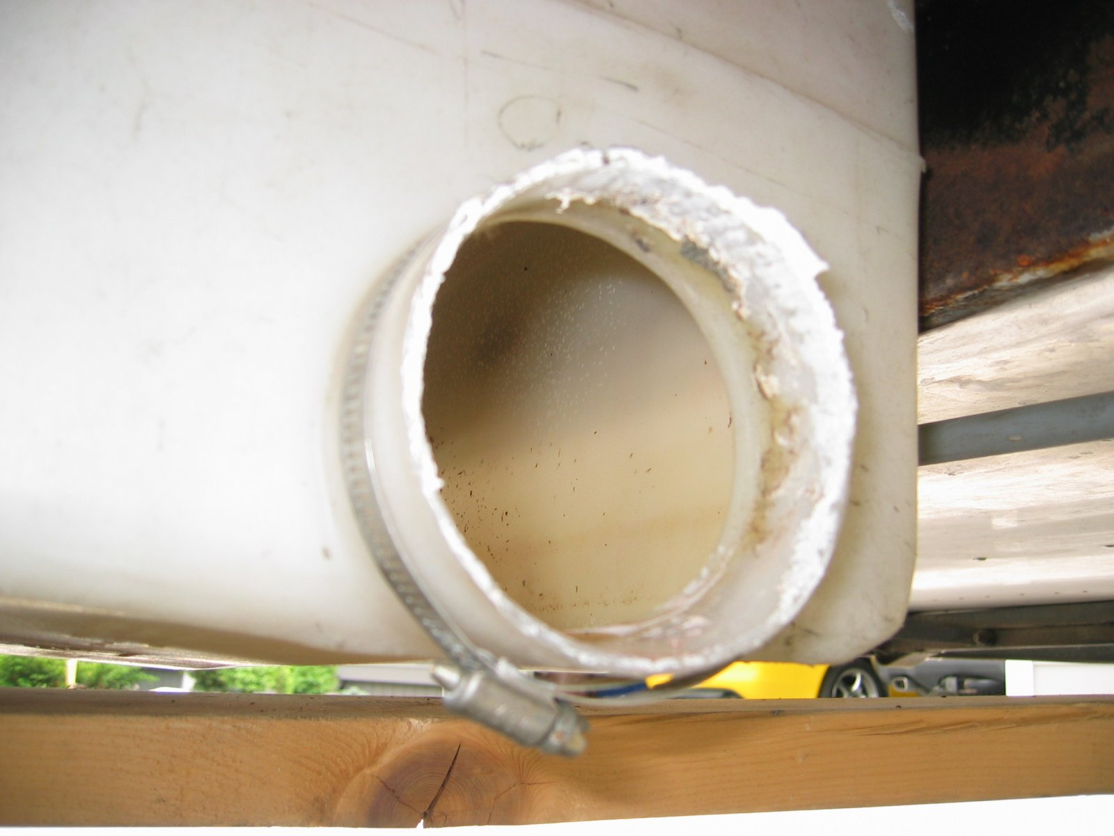 Click image for larger version  Name:1205 Gray Water Tank Discharge Hole.jpg Views:132 Size:159.4 KB ID:160368