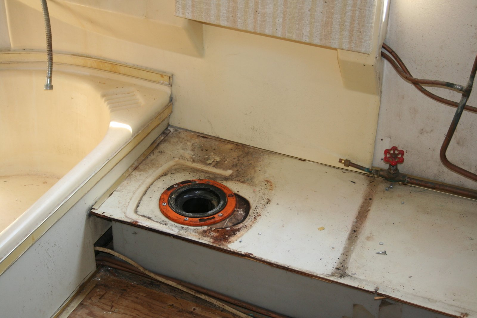 Click image for larger version  Name:argosy toilet 2.jpg Views:352 Size:200.4 KB ID:160643