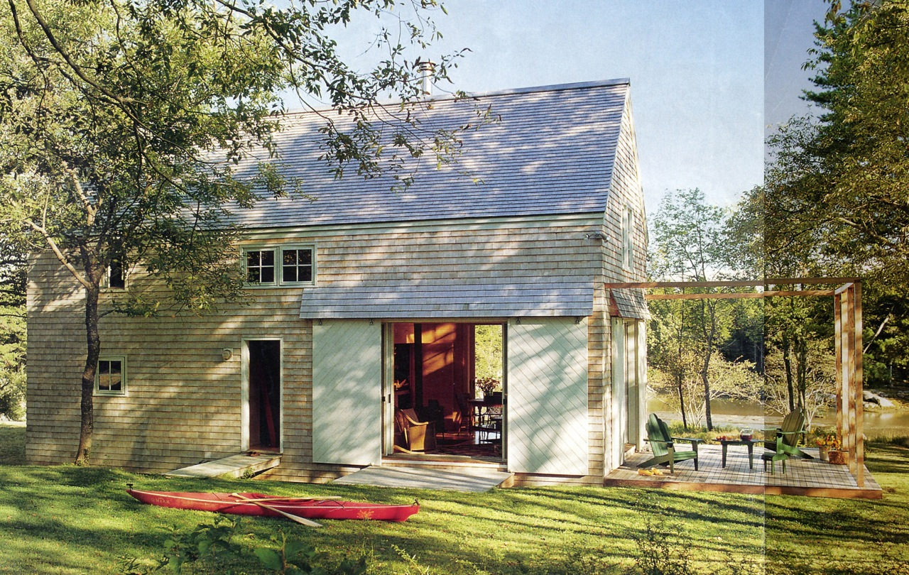 Click image for larger version  Name:Barn Exterior.jpg Views:113 Size:612.2 KB ID:160840
