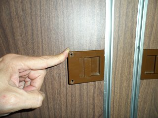 Click image for larger version  Name:Airstream Latch 013.jpg Views:238 Size:321.2 KB ID:162773