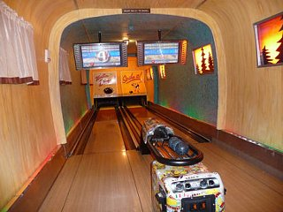Click image for larger version  Name:airstream-bowling-alley.jpeg Views:53 Size:42.2 KB ID:162983