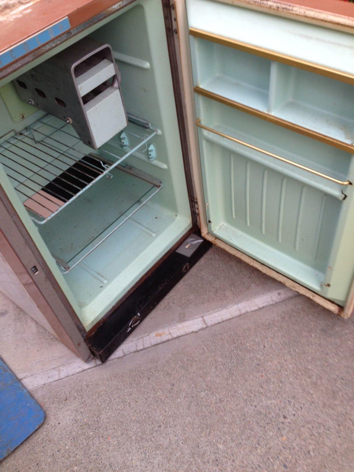 Click image for larger version  Name:fridge2.jpg Views:56 Size:278.8 KB ID:163307