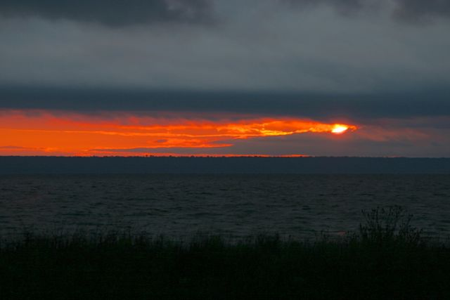 Click image for larger version  Name:sunrise.jpg Views:69 Size:24.1 KB ID:164658