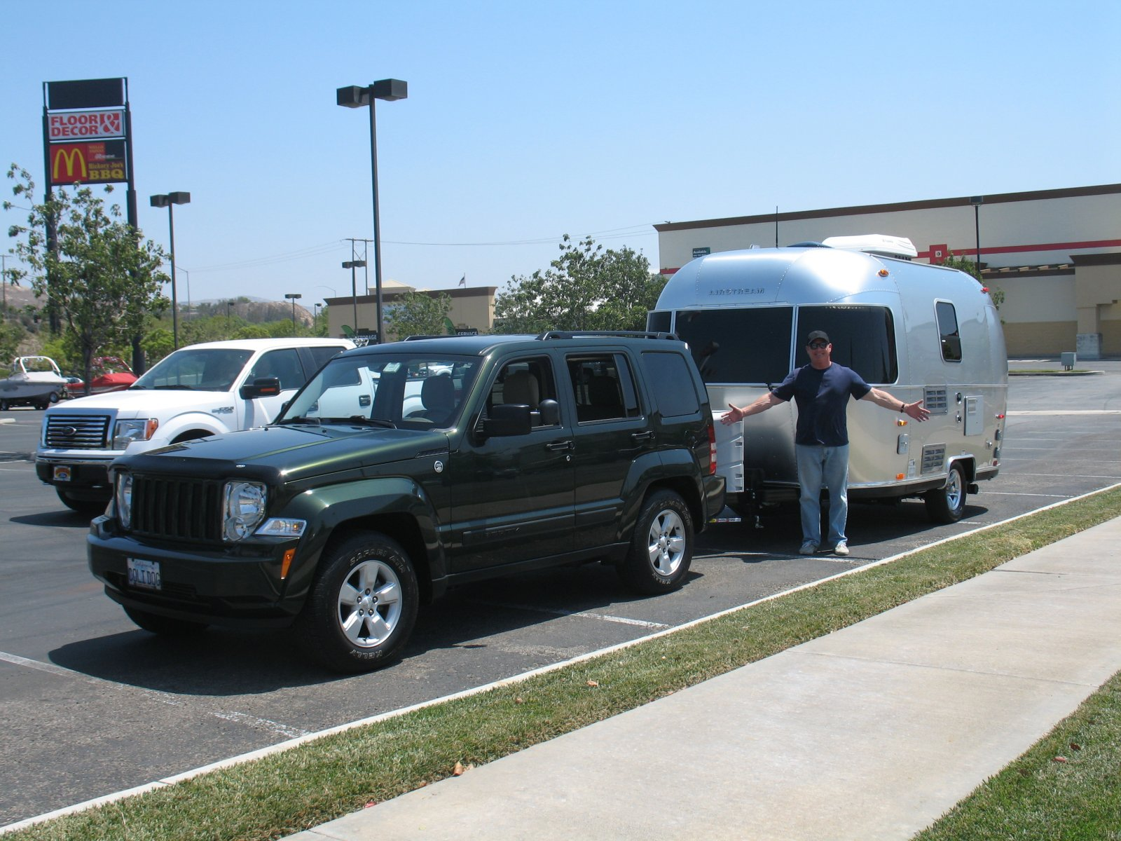 Click image for larger version  Name:Picking up the Airstream 008.jpg Views:44 Size:311.1 KB ID:164991