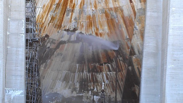Click image for larger version  Name:Florence Lake Dam leak.jpeg Views:105 Size:70.9 KB ID:167206