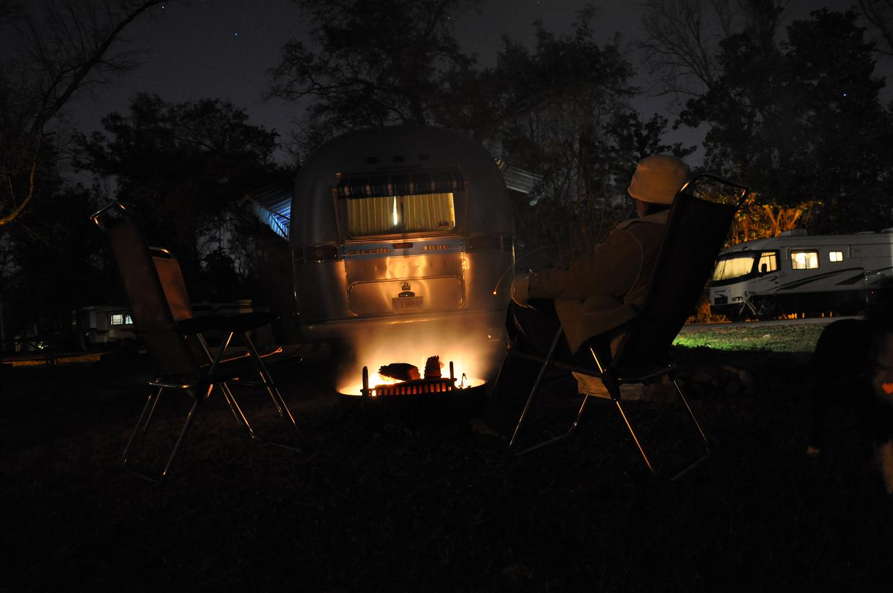 Click image for larger version  Name:Oceans%20Springs%20Campfire.JPG Views:145 Size:126.0 KB ID:168219