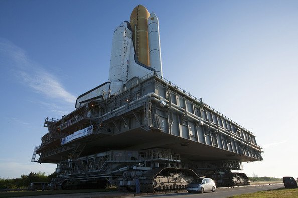 Click image for larger version  Name:Shuttle+Discovery+Rolled+Out+Launch+Pad+Liftoff+ouARssHxsC3l.jpg Views:101 Size:58.0 KB ID:168287
