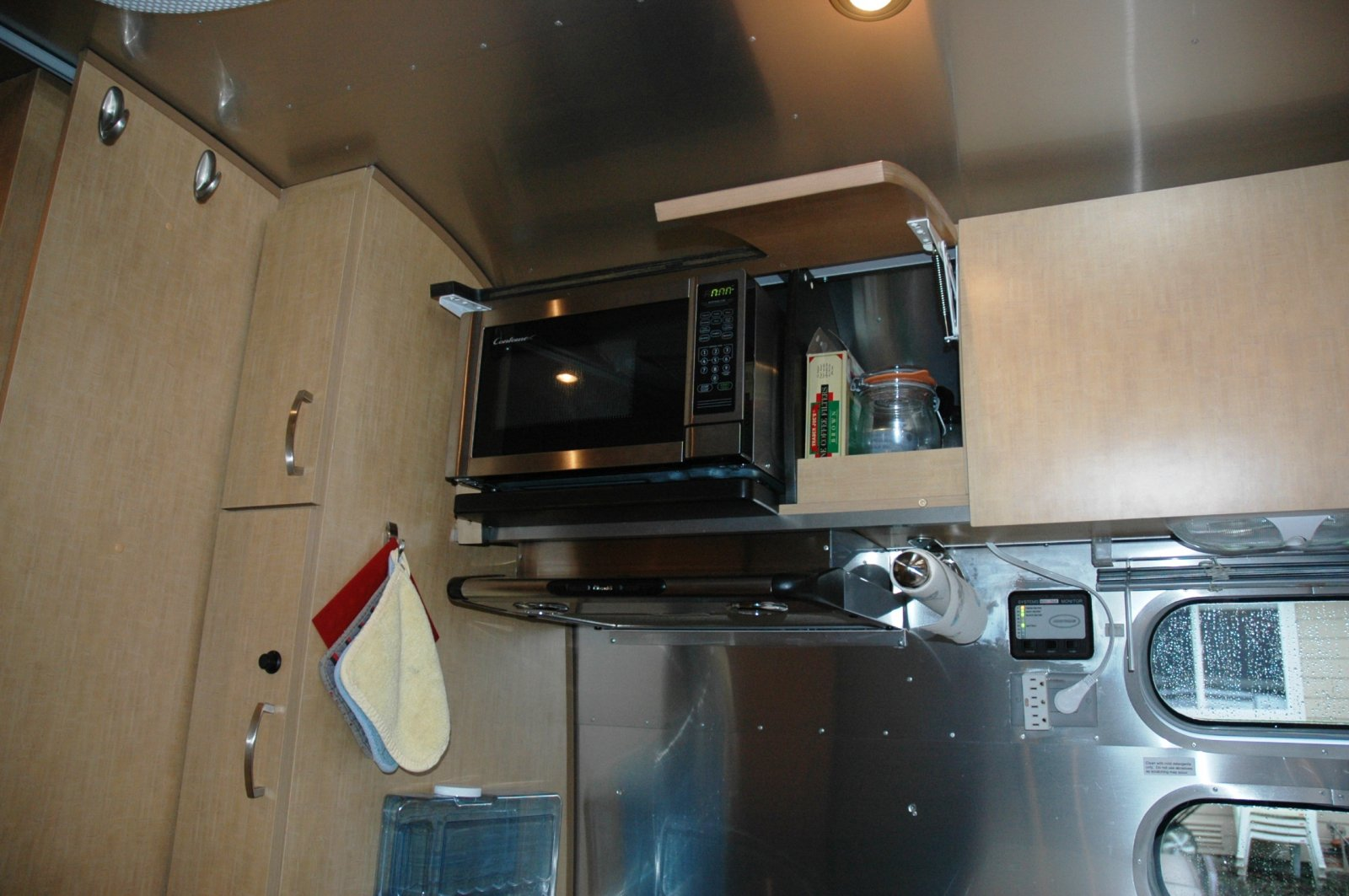 Click image for larger version  Name:airstream modification 003.jpg Views:153 Size:218.9 KB ID:168650