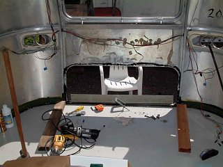 Click image for larger version  Name:Aft-Interior.jpg Views:231 Size:72.0 KB ID:169529