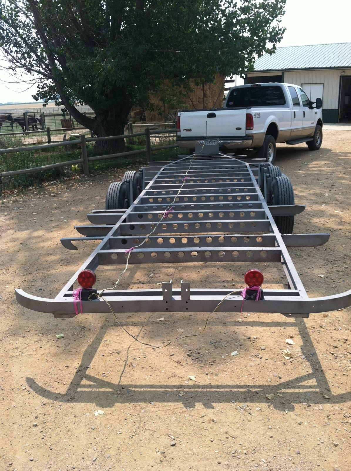 Click image for larger version  Name:stripped trailer 001.jpg Views:103 Size:498.8 KB ID:170093