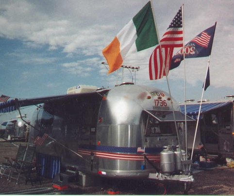 Click image for larger version  Name:airstream flag poles.jpg Views:71 Size:143.4 KB ID:17136