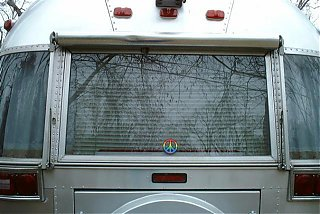 Click image for larger version  Name:Airstream awning 001 (Small) (Small).jpg Views:178 Size:229.4 KB ID:17140