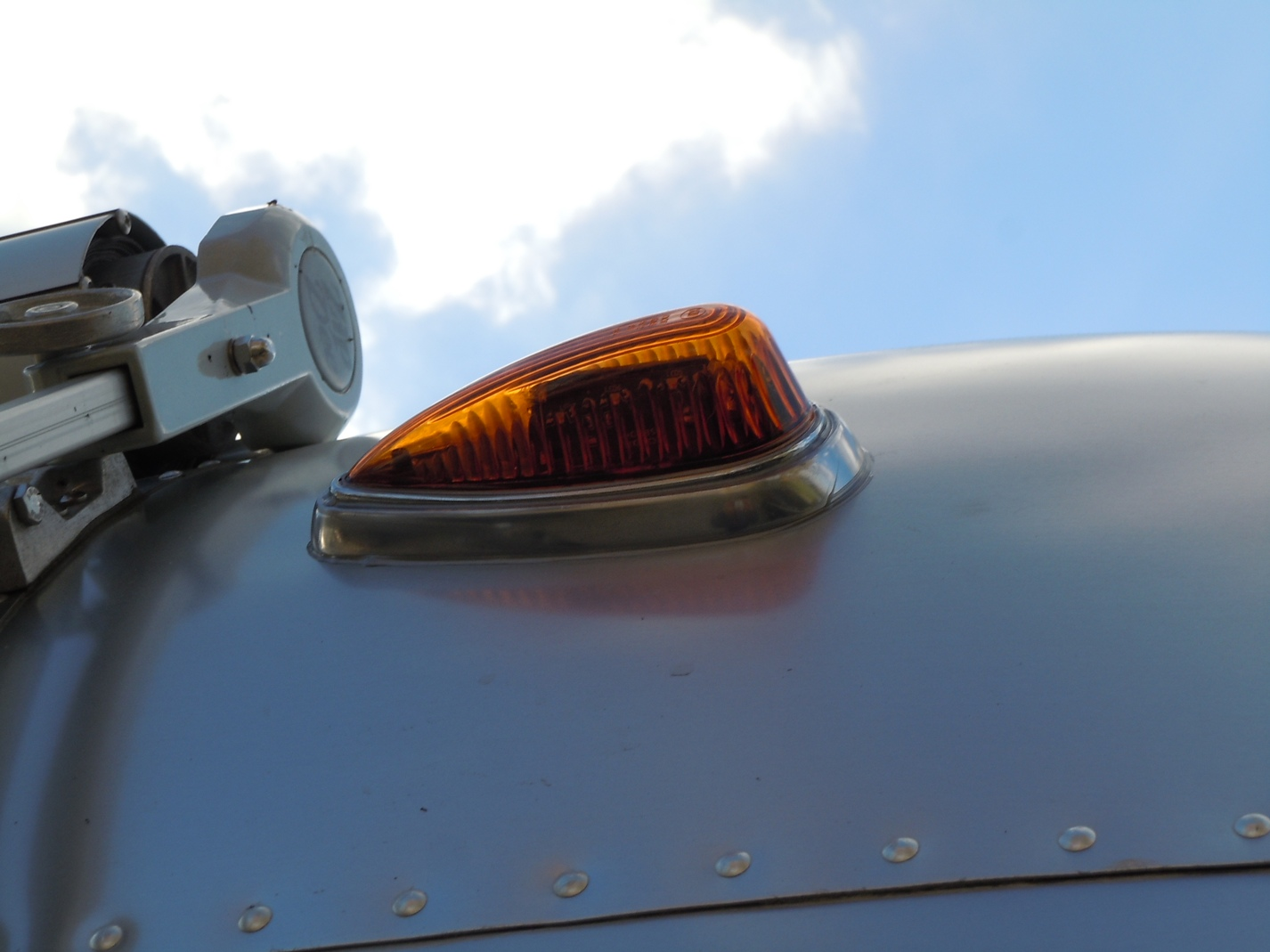 Click image for larger version  Name:New Clearance Light.jpg Views:109 Size:277.1 KB ID:172751