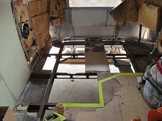 Click image for larger version  Name:Rear Frame Before Repair.jpg Views:333 Size:61.5 KB ID:172932