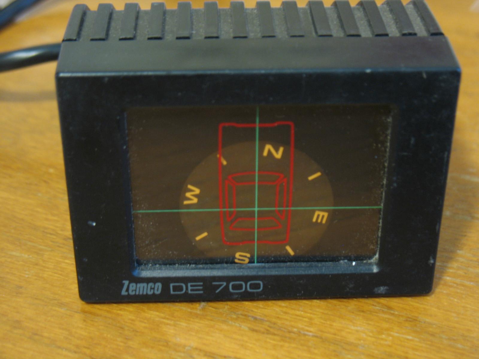 Click image for larger version  Name:Zemco-de700 compass.JPG Views:72 Size:379.7 KB ID:173049