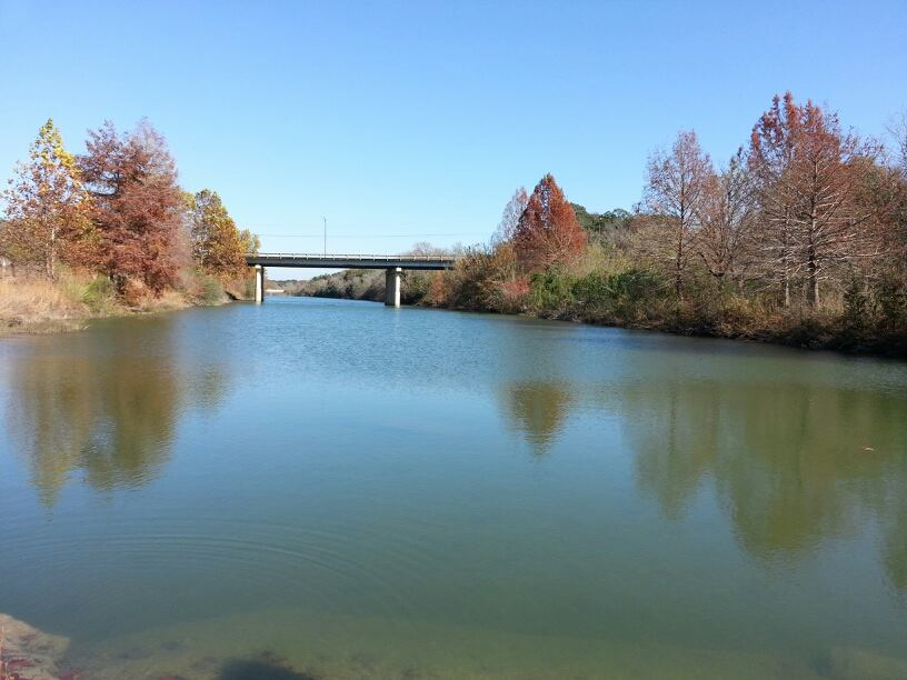 Click image for larger version  Name:Blanco, the river.jpg Views:81 Size:221.3 KB ID:174337