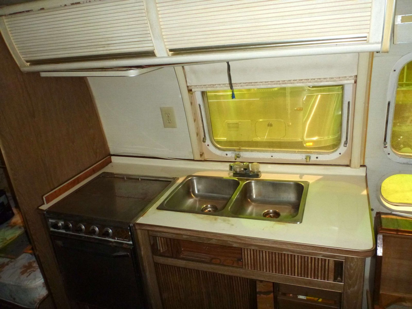 Click image for larger version  Name:Cleaning Galley.jpg Views:71 Size:277.3 KB ID:176394
