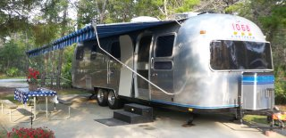 Click image for larger version  Name:Airstream-step.jpg Views:609 Size:251.4 KB ID:176456
